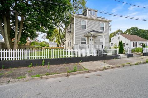 95 Woodhaven RD Pawtucket RI 02861
