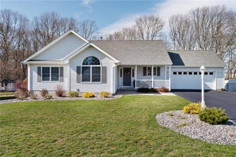12 Spinnaker CT Narragansett RI 02882