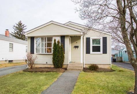 25 Ashley ST Cranston RI 02920