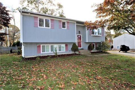 80 Old Pine RD Narragansett RI 02882