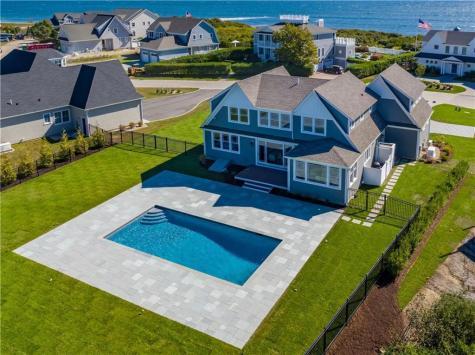 1048 Ocean RD Narragansett RI 02882