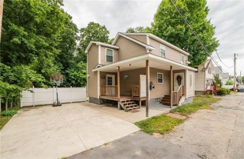 27 Hillside AV Johnston RI 02919