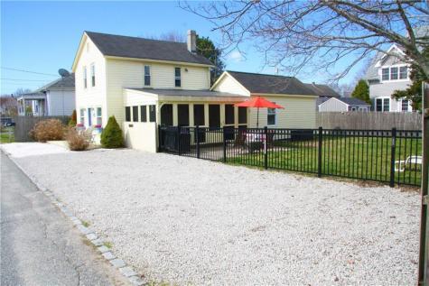 102 Cottage AV Portsmouth RI 02871