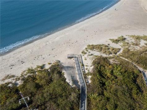 16 Dunes RD Narragansett RI 02882