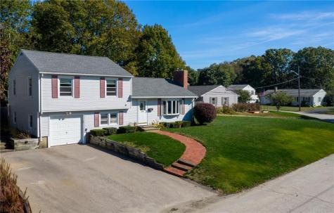 123 Greenmeadow CIR North Kingstown RI 02852