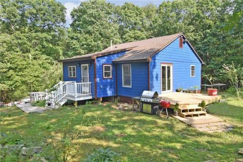 299 Perry Hill RD Coventry RI 02816