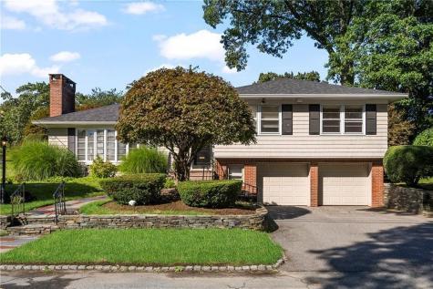 144 Glen Ridge RD Cranston RI 02920