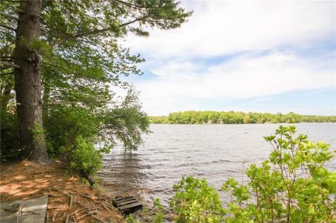 128 Lake View DR Glocester RI 02814