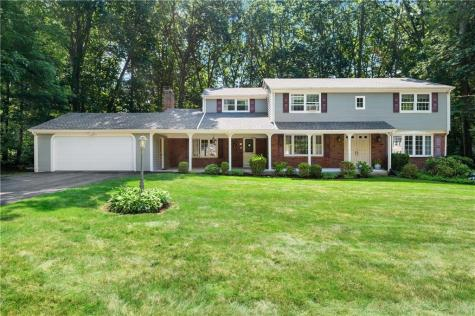 80 Country Side DR Cumberland RI 02864