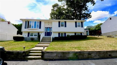 4 Berclay ST Johnston RI 02919