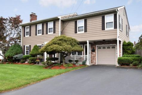 38 Lawrence DR East Providence RI 02914