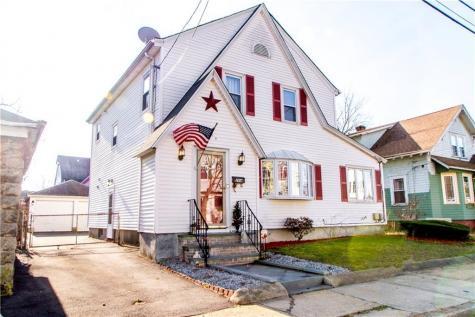 264 Narragansett ST Cranston RI 02905