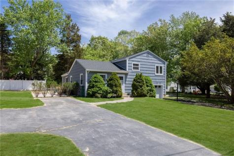 34 Wagner RD Westerly RI 02891