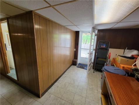 150 Riverside AV Cranston RI 02910