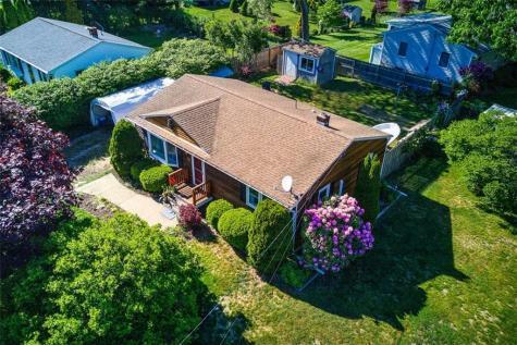 51 Woodridge RD Narragansett RI 02882