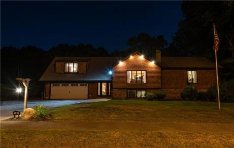 9 Blue Spruce DR Coventry RI 02816
