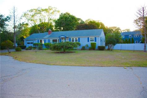 21 Reed PL East Greenwich RI 02818