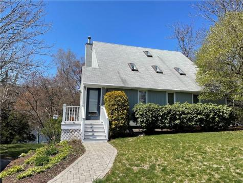 10 Riverview DR North Providence RI 02904