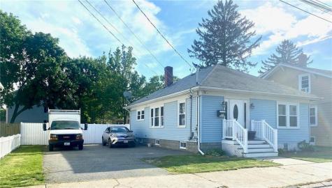 210 Oriole Ave AV Pawtucket RI 02860