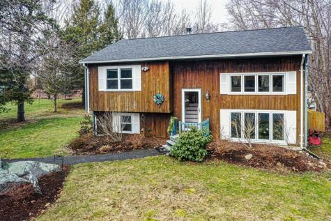 17 Chandler DR Coventry RI 02816