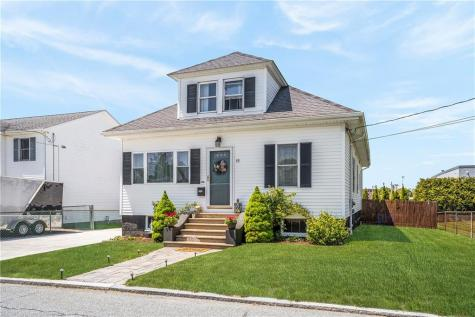 49 North County ST East Providence RI 02914