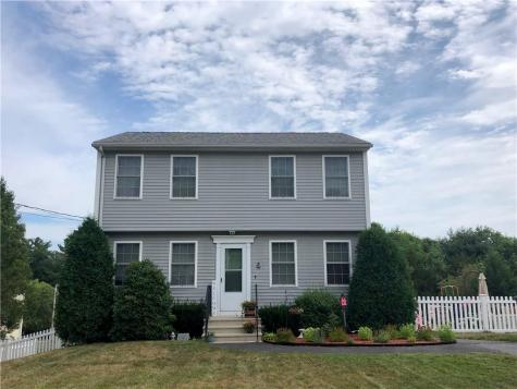 4 Mountain Laurel DR Coventry RI 02816