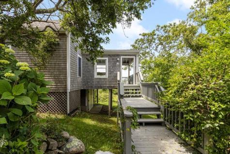 826 Beacon HILL Block Island RI 02807