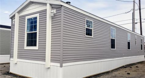 64 West DR East Providence RI 02916