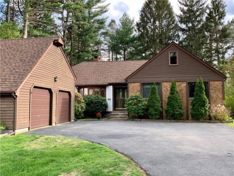 24 Wood Cove DR Coventry RI 02816