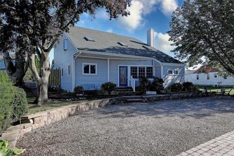 51 Oak AV Narragansett RI 02882
