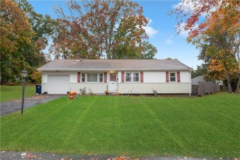 56 CATHERINE DR North Kingstown RI 02852