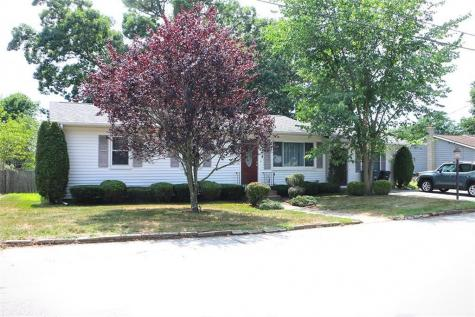 76 Coventry DR Coventry RI 02816