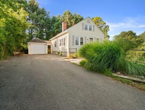 176 Central PIKE Scituate RI 02857