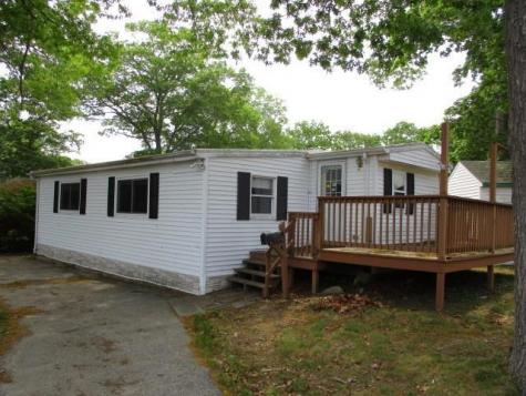 27 MEAD RD Coventry RI 02816