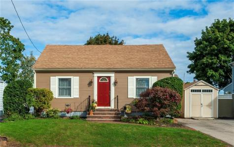 374 Woodhaven RD Pawtucket RI 02861
