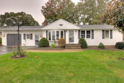 4 Pond View DR Coventry RI 02816