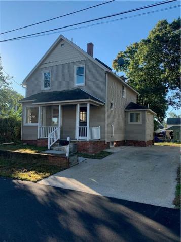 44 Oak AV East Providence RI 02915