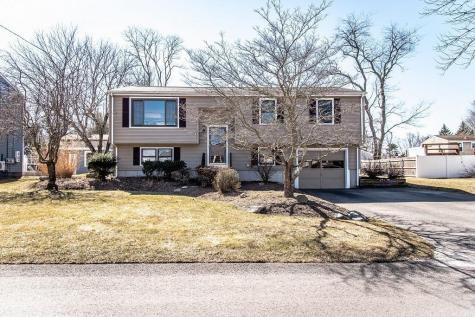 6 Frank CT Warren RI 02885