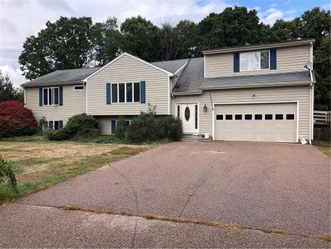 9 Forest Glen DR Hopkinton RI 02883