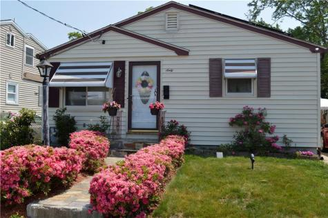 60 Pine Grove ST Pawtucket RI 02861