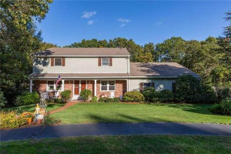 11 Blue Spruce DR Coventry RI 02816