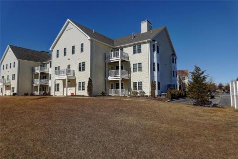 20 Saw Mill DR, Unit#302 North Kingstown RI 02852