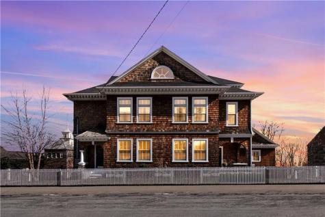 70 Peirce ST East Greenwich RI 02818