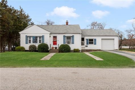 6 Lowell ST Coventry RI 02816