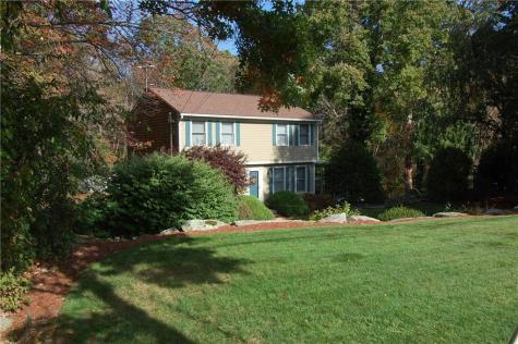 11 Country View DR Coventry RI 02816