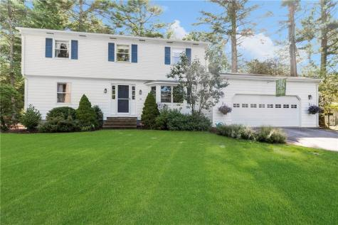 101 Wood Cove DR Coventry RI 02816
